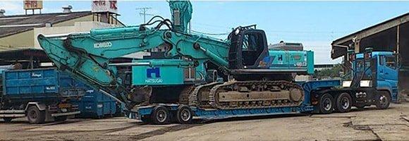 機械車載例 トレーラーヘッド2軸 荷台16輪 車載機械 50tクラス